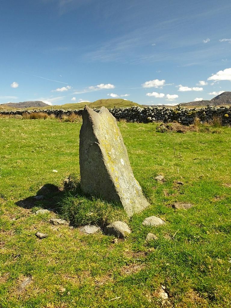 Fonlief Hir 'E' Standing Stone