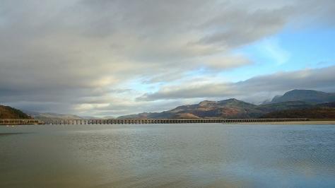 Estuarium rzeki Mawddach i Barmouth Bridge