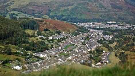 Niewielkie miasteczka Dolin często leżą w zaskakująco pięknym otoczeniu