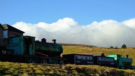 Zabytkowe lokomotywy przy muzeum Big Pit w Blaenavon