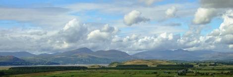 Widok z zamku na Snowdonię i Półwysep Llŷn