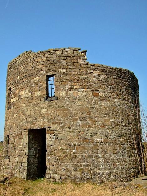 Nantyglo Round Towers/Okrągłe Wieże z Nantyglo - Wieża południowa