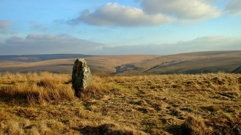 Waun Lydan - standing stone na wzgórzach nad Doliną Claerwen