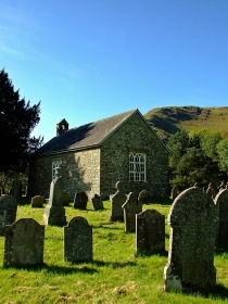 St Paulinus' Church w Ystradffin