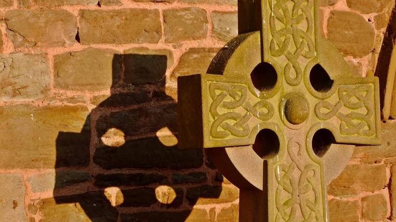 Krzyż przy kościele w Breinton