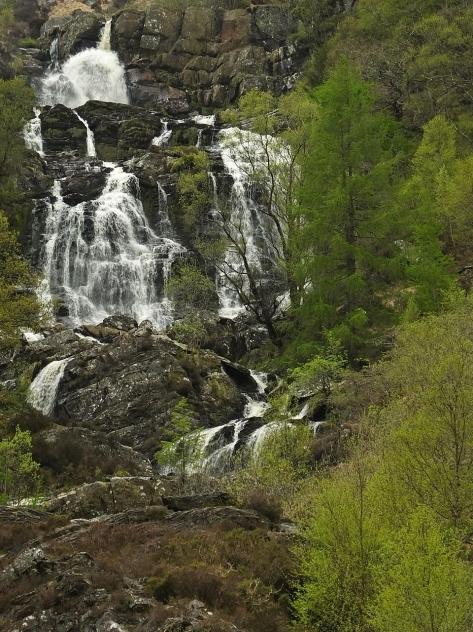 Wodospad Pistyll Rhyd-y-meincau znany też jako Rhiwargor Waterfalls