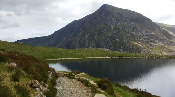 Snowdonia dla każdego: spacer wokół jeziora Llyn Idwal
